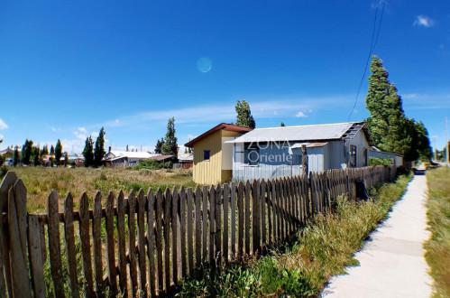 Terrenos Balmaceda-Coyhaique. Oportunidad Sitio urbanizado con casa, 1250m2